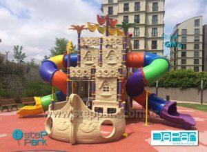 Gemi oyun parkı ön cephe