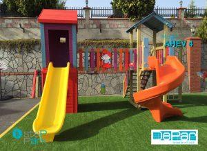Ahşap çocuk oyun evi plastik spiral kaydırak