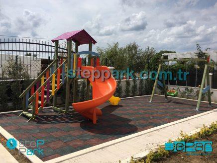 Silivri Ahşap Oyun Parkı Salıncak