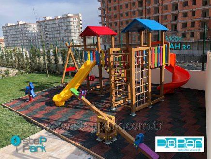 Esenyurt Çınar6 Evleri Ahşap Oyun Parkı ve Tırmanma Ünitesi